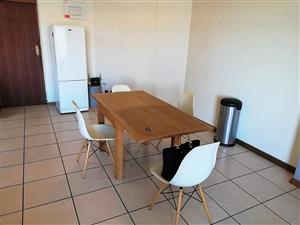 Spacious Apartment in Hillcrest, Pretoria