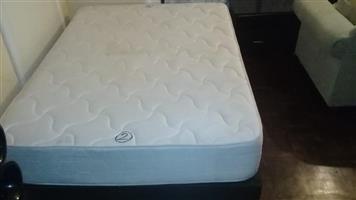 Bamboo. Foam mattress base n mattress