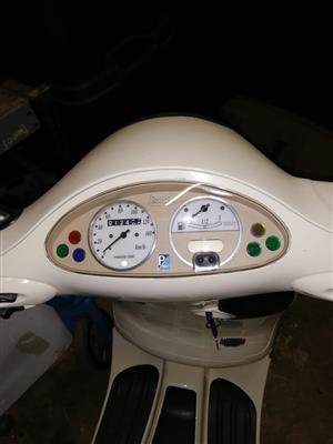 2004 Vespa ET150