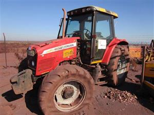 Massey Ferguson MF5445C 4x4 Tractor - ON AUCTION