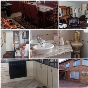 TOWN HOUSE FOR SALE FARRARMERE BENONI