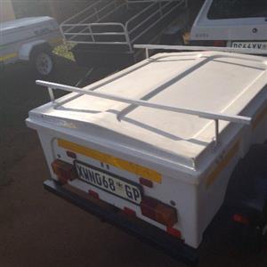 fibre glass 4 foot trailer good condition