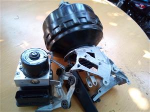 BMW E90 320i ABS brakes unit.  Complete set for sale.