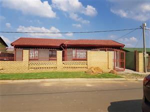 House to rent in Tsakane
