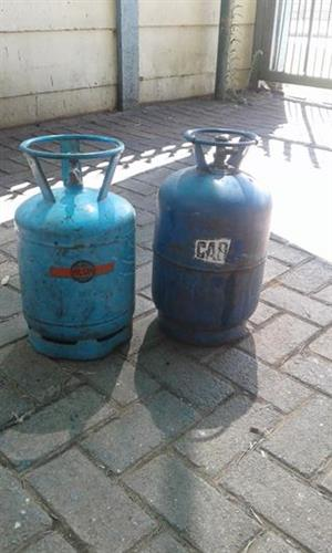 2 x Gas bottles