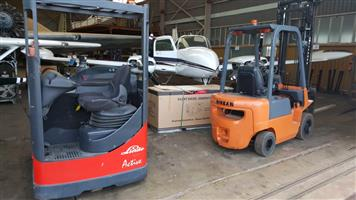 Linde Pallet Stacker in good condition: