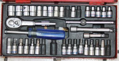 S035019A King tong 34 piece socket set #Rosettenvillepawnshop