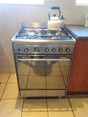Well looked-after SMEG oven in great condition for sale