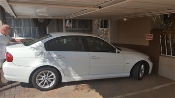 2011 BMW 3 Series 320i Exclusive