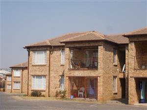2 Bedroom 2 Bathroom Apartment To Rent - Ground Floor - Vorna Valley - R6 600