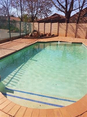 Villa Mia 1 room to rent in 3 bedroom townhouse @ R2 800 per room + W&E + Deposits