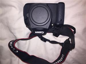 Canon EOS 600D DLSR camera plus kit for sale.  Negotiable
