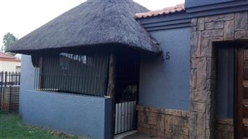 2 Bedroom house with an maintainable garden and lapa.