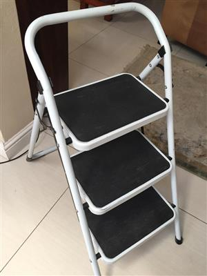 Kitchen / closet Household ladder - rated to 150kg