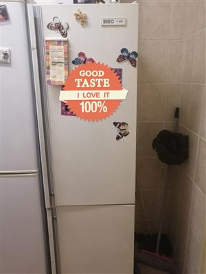 Fridge and freezer Combo