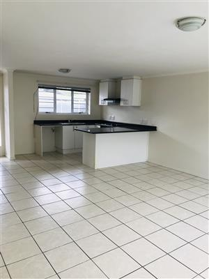 Neat modern Townhouse in Bellville for sale !