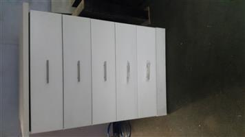 Chest of drawers manufacturerd
