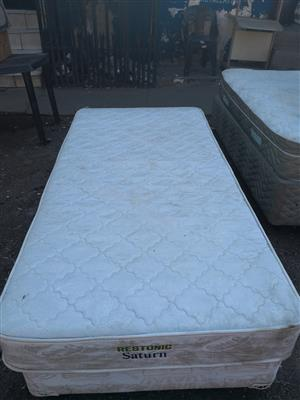 Single bed and base