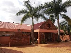 Mansion for Sale in Thohoyandou Unit D
