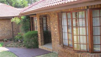 NEED FAMILY HOUSE IN POPULAR ELDORAIGNE X 3