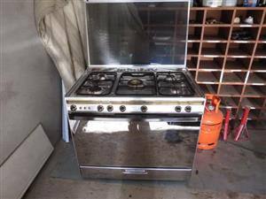 90cm gas stove never been used