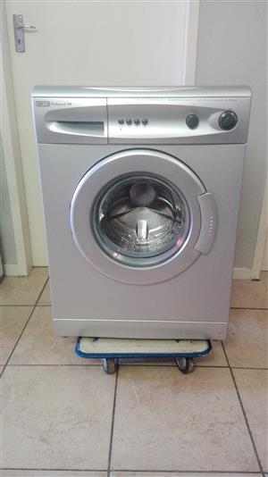 Very Nice DEFY 5Kg Front Loader Washing Machine