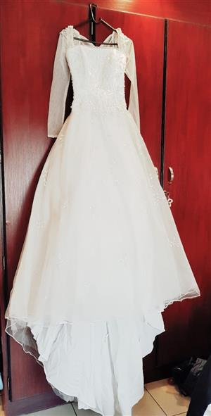 Stunning Wedding Gown for sale