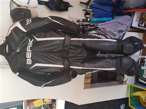 Berik 2 piece racing leather suit