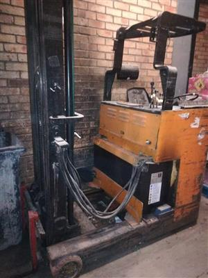 Reach truck stacker for sale