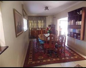 PET FRIENDLY Townhouse duplex with Staff Quater and Private Pool