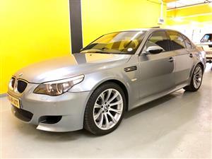 2010 BMW M5 sedan M5 M DCT (F90)