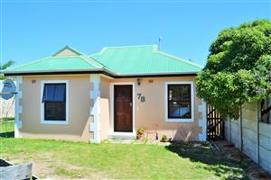 LOVELY 2 BEDROOM CLUSTER IN SECURE COMPLEX