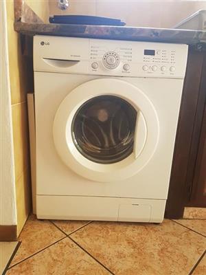 Selling my lg front loader washing machine