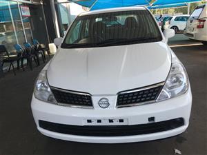 2011 Nissan Tiida sedan 1.6 Acenta