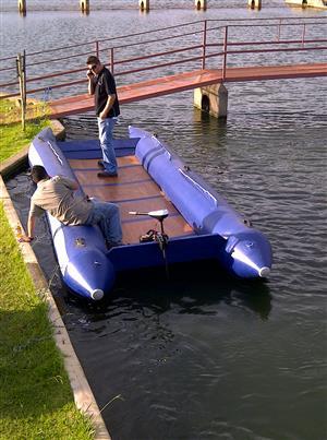 Fishing Boat/Inflatable Raft