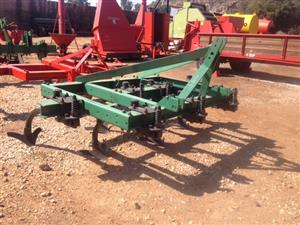 Green U Make 7 Tine Chisel Plough / 7 Tand Beitelploeg Pre-Owned Implement
