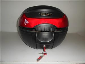 Top Box (luggage).