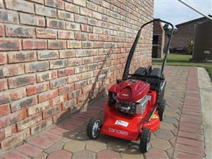 Tandem Earovac 190cc Lawnmower