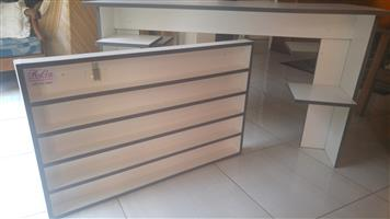 NAIL TABLE AND PRODUCT SHELF