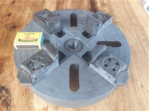 four jaw chuck for lathe