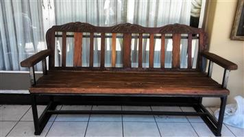 Merenti Gardern Bench sturdy seats 3-4 .Excelent condition