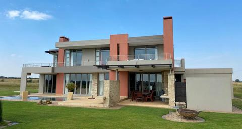 5 Bedroom House For Sale in Waterford Golf and River Estate, Parys