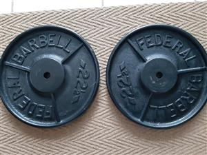 Wanted: Looking for 22.5 kg or 50 pound weights