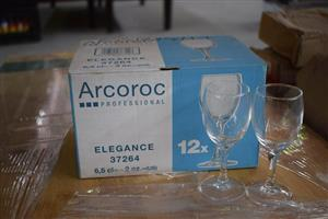 Arcoroc 12 piece wine glass set