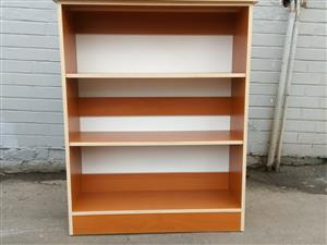 Brand new 2 adjustable 2 shelf bookshelf 110cm x 95cm x 28cm
