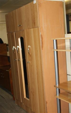 3 door oak wardrobe S031026A #Rosettenvillepawnshop