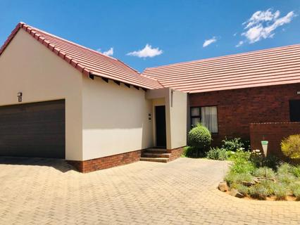 Townhouse For Sale in Wild Olive Estate