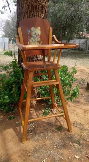 Beautiful Vintage PERFECT Condition Baby Feeding Chair for Sale