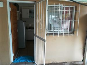 1 bedroom flat to rent in Gezina Pretoria