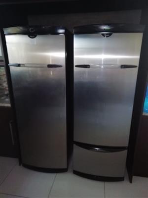 Whirlpool side by side fridge freezer
